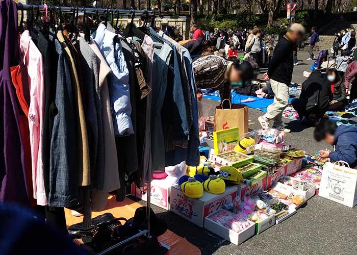 新宿中央公園のフリーマーケット雰囲気