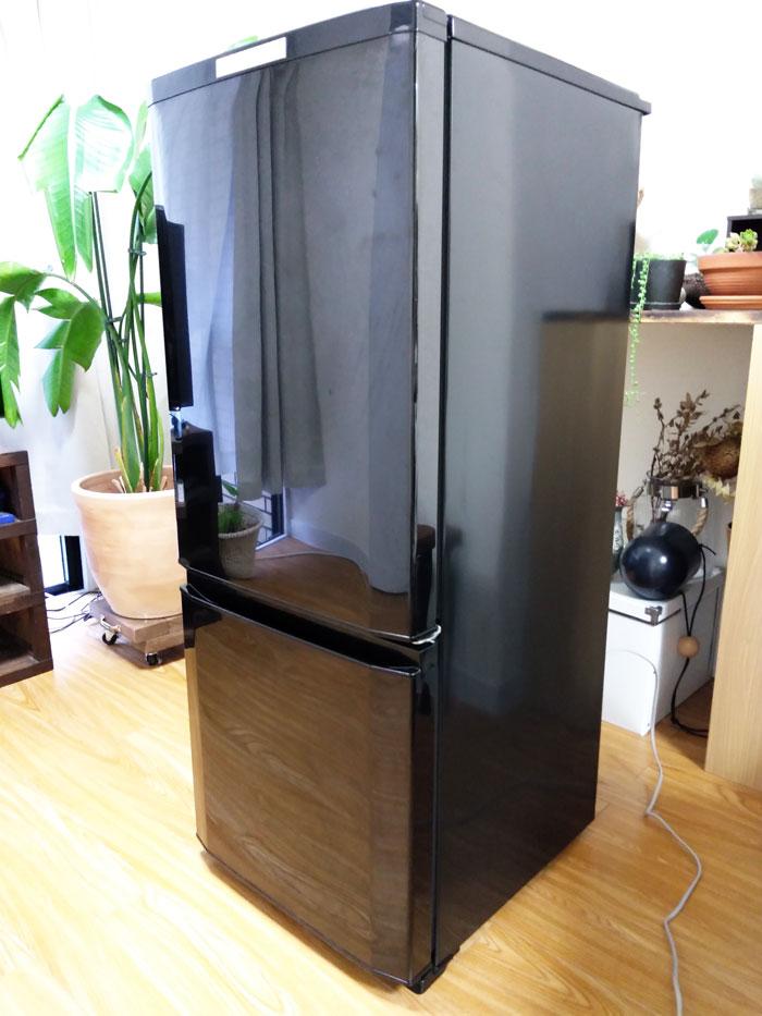 冷蔵庫の写真は斜めから