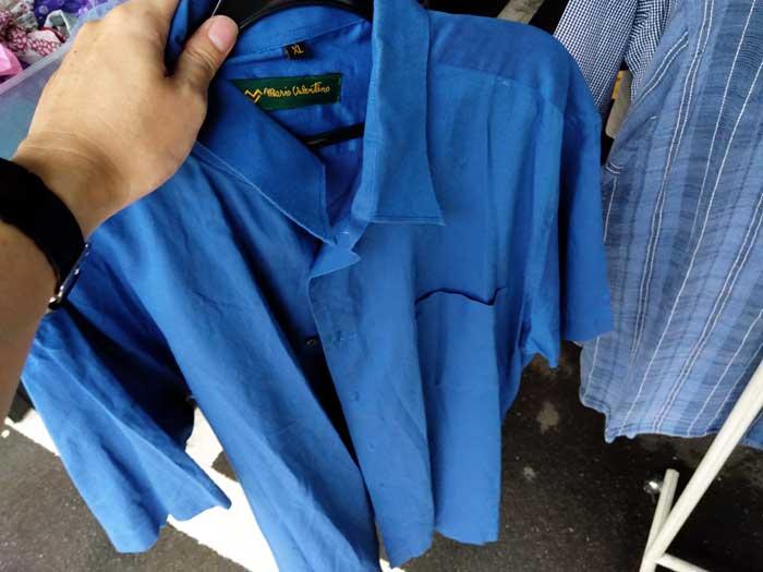 シャツは100円
