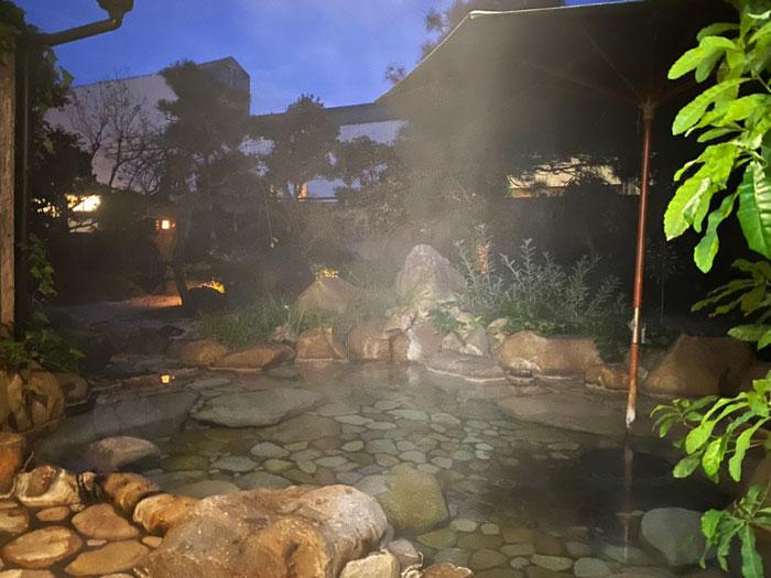 安来苑の露天風呂