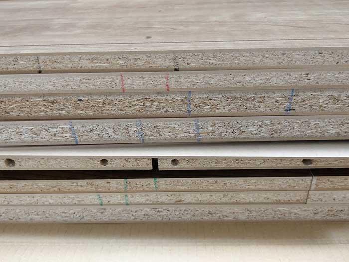 LOWYA(ロウヤ)キャビネット組立て方木材の側面
