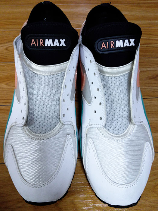 Nike Air Max 93 Watermelonを洗う
