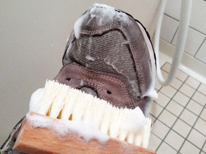 ジェイソンマークスニーカーシャンプーで洗う