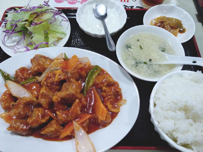 鴻盛酒家(こうせいしゅか)酢豚定食