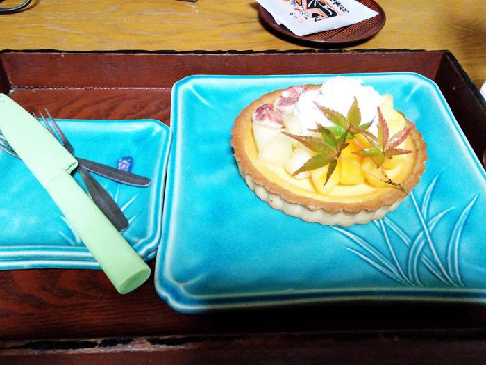 雄琴荘アニバーサリープランのフルーツケーキ